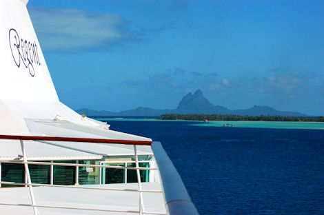 Vacations Magazine: Sail the Enchanting South Pacific
