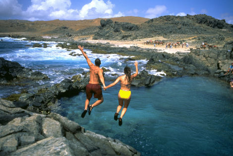 Vacations Magazine: 8 Ways to Find Romance in Aruba